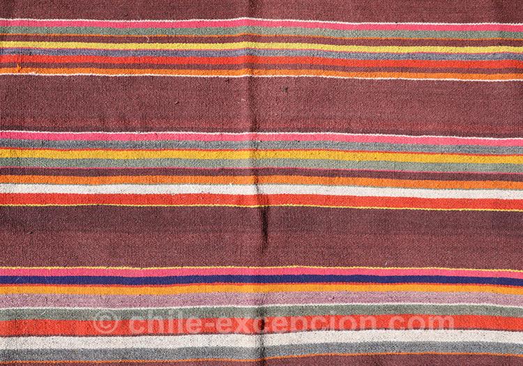 Tissu à rayures colorées du Chili avec l'agence de voyage Chile Excepción