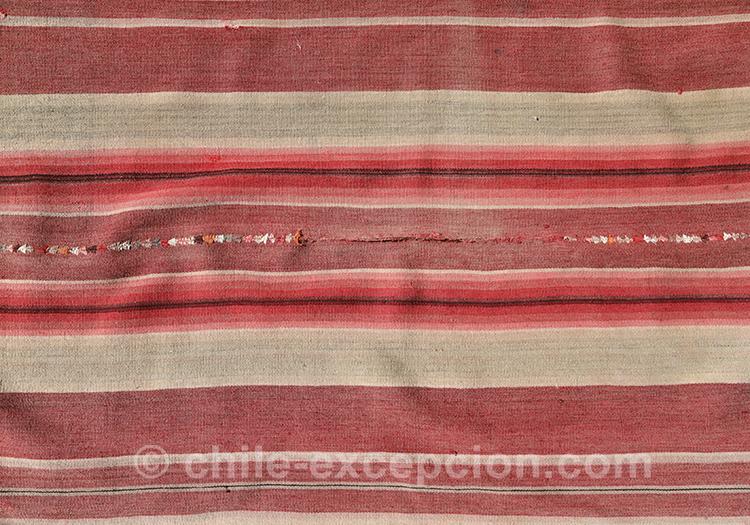Motifs rayés sur du tissu chilien avec l'agence de voyage Chile Excepción