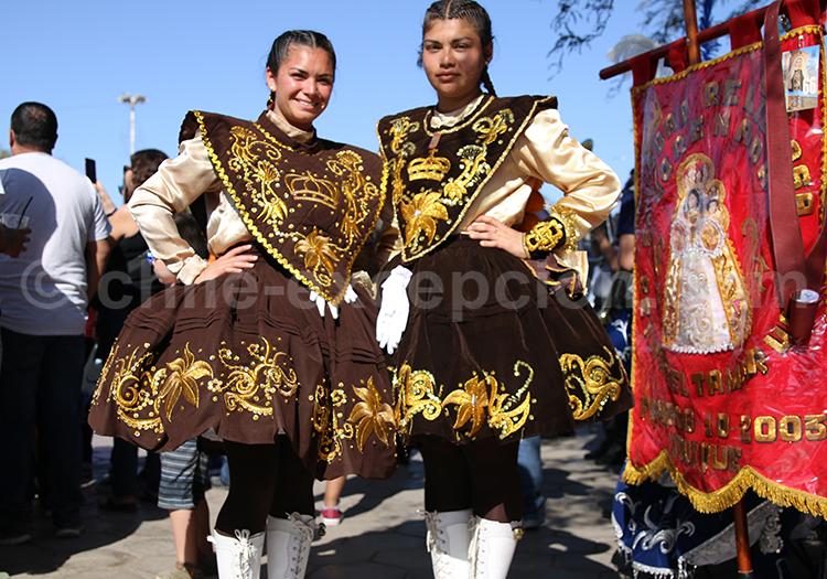 Danseuses costumées, folklore du Chili
