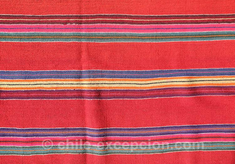 Tissu coloré du Chili, rayé avec l'agence de voyage Chile Excepción