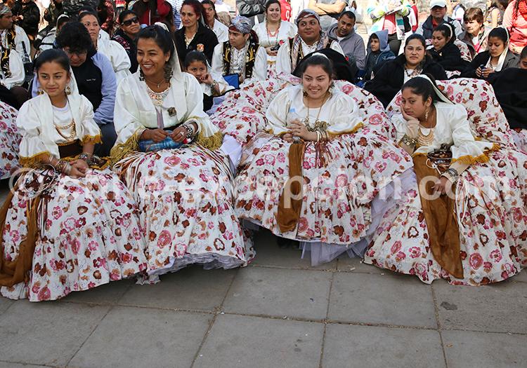 Tenues colorées, photos du Chili