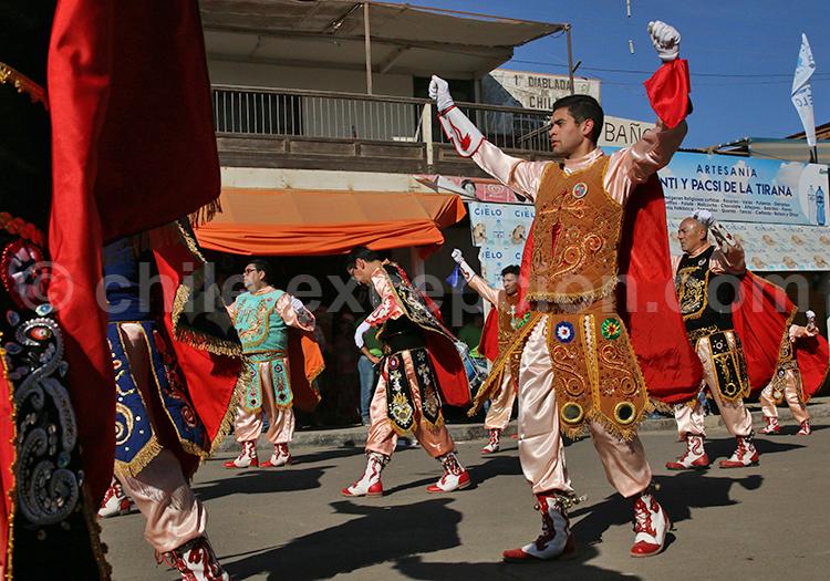 Parade des costumes de colonisateurs, fiesta de la Tirana