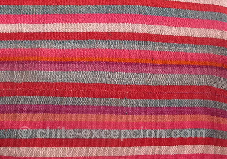 Couleur vive d'un poncho au Chili
