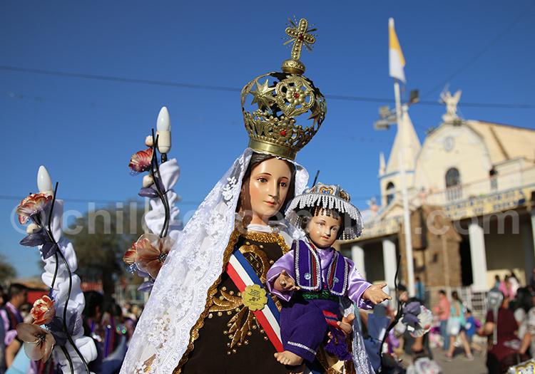 Vierge de la Tirana, en bois de tamarugo, Chili
