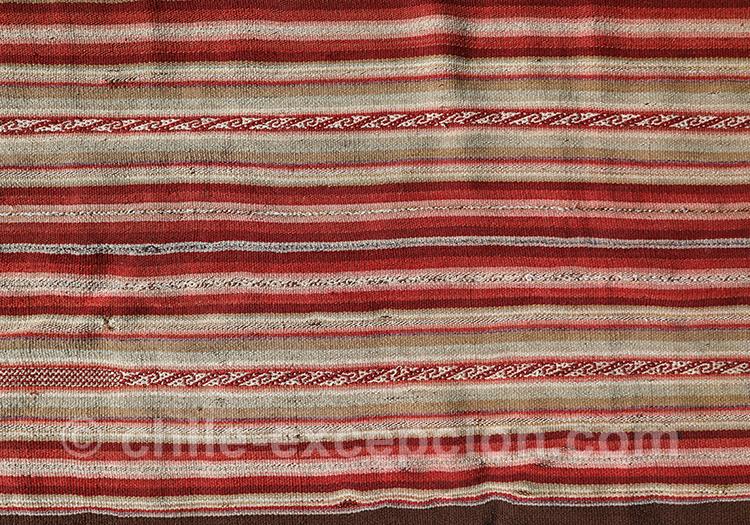 Tissu dans les tons rouges du Chili