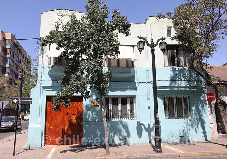 Se balader dans les rues du quartier Brasil de Santiago de Chile