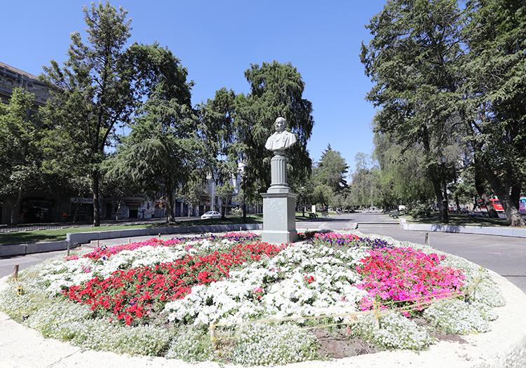Statue de José Miguel Infante, Av Alameda, Santiago