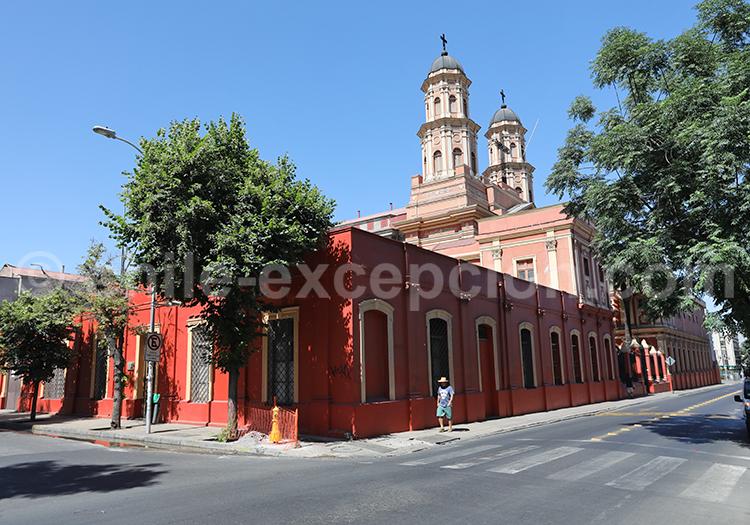 Visiter l'Église de la Preciosa Sangre, Quartier Brasil, Santiago de Chile