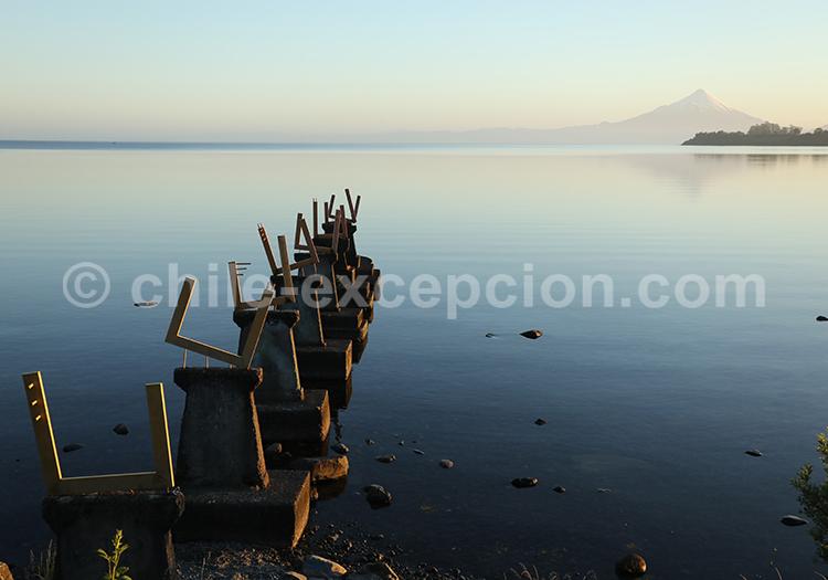 Lac Llanquihue avec vue sur le volcan Osorno