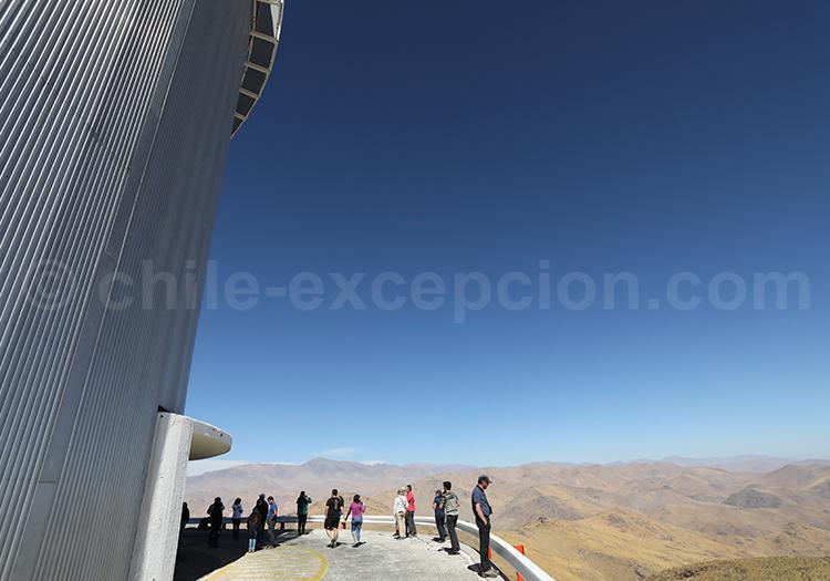 Observer les étoiles, désert du Chili