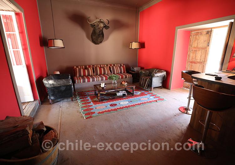 Petit salon de l'hôtel Casa Bouchon, Chili avec l'agence de voyage Chile Excepción