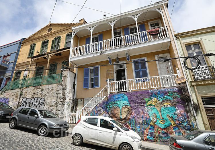 Les tags et graffitis de Valparaiso, Cerro Concepción