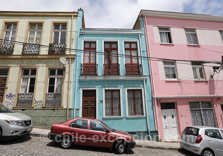 Couleurs éclatantes de la ville de Valparaiso, cerro Concepción