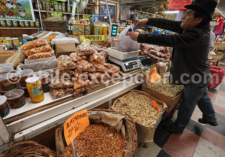 Vente de fruits secs, village d'Ovalle, Chili