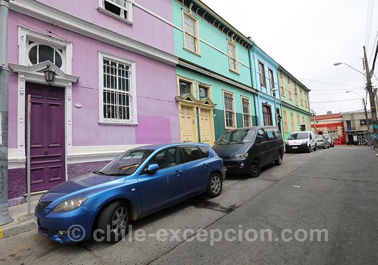Rue multicolore à Valparaiso, Cerro Concepción