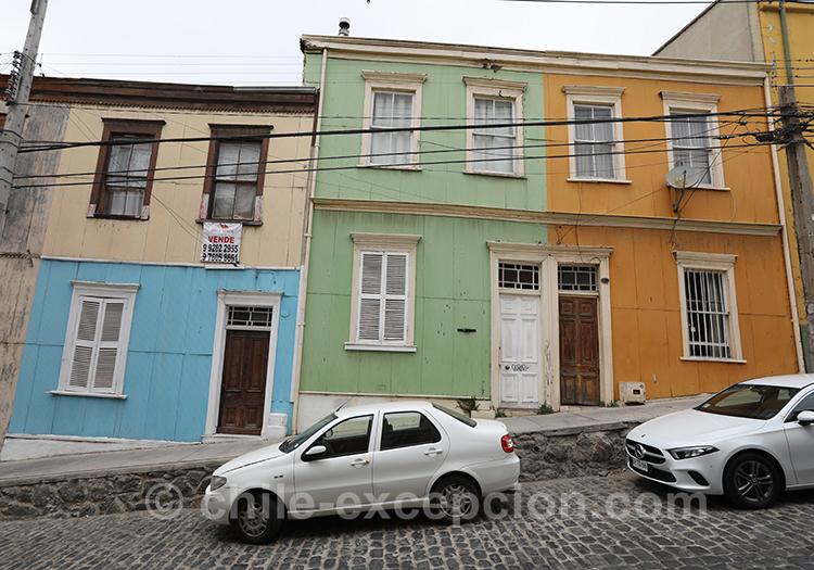 Maisons colorées au Cerro Concepcion à Valparaiso