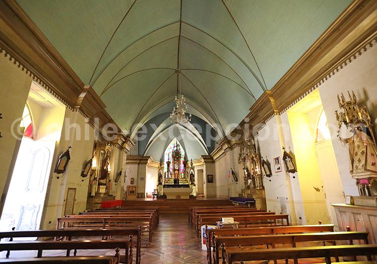 Église construite à partir de matériaux francais, Pisco