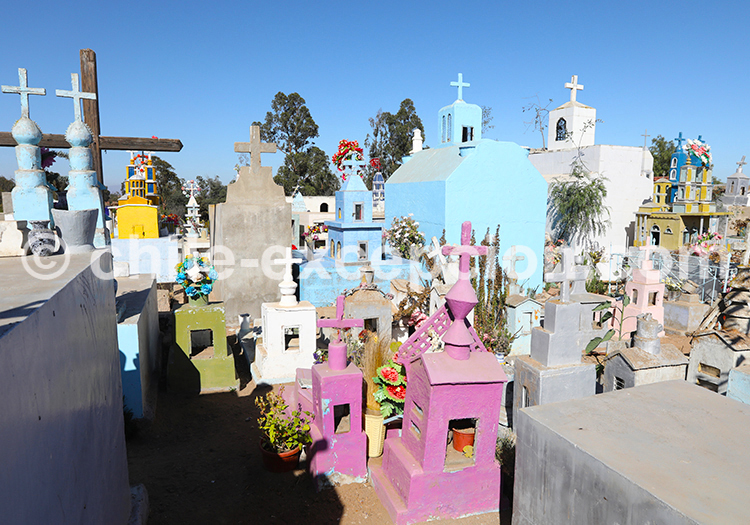 Cimetière coloré de Cerrillos de Tamaya