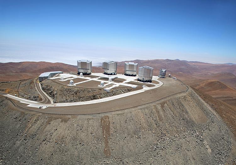 Observatoire Cerro Paranal - Crédit ESO Clem et Adri Bacri Normier