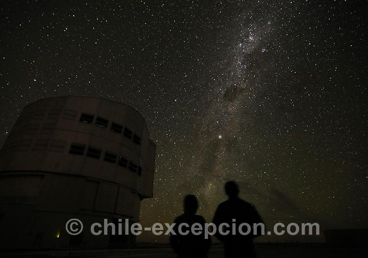 Observer les étoiles dans le désert d'Atacama, Chili