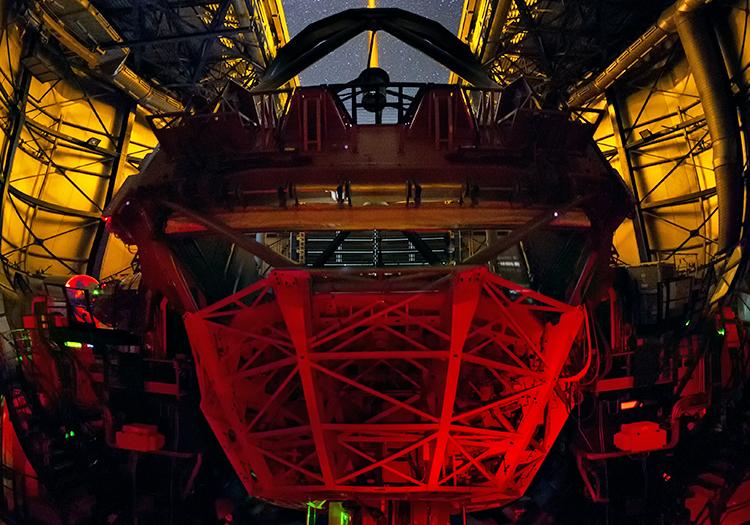 Observatoire Cerro Paranal - Crédit ESO Y. Beletsky LCO