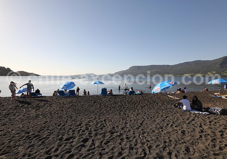 Lac Villarrica, lieu touristique dans la région des lacs, Chili
