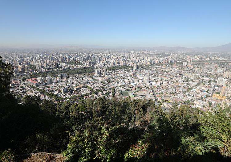 Vue panoramique de Saantiago depuis le Cerro San Cristóbal