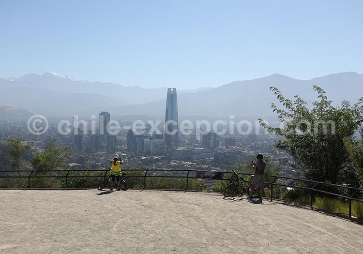 Photographier Santiago depuis le Cerro San Cristobal