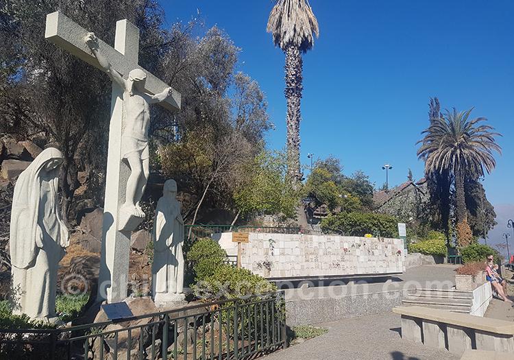 Se promener au Cerro San Cristobal à Santiago de Chile avec l'agence de voyage Chile Excepción