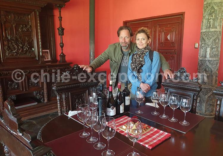 Dégustation à la viña Santa Cruz, Chili