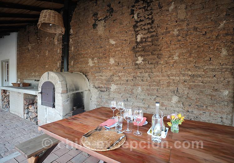 Manger au restaurant de Casa Bouchon, hôtel Estancia du centre du Chili