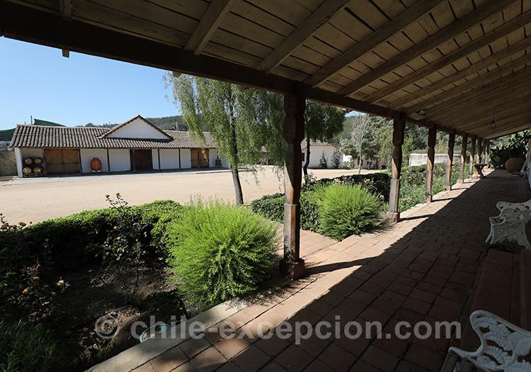 A l'ombre de la Casa Bouchon au Chili