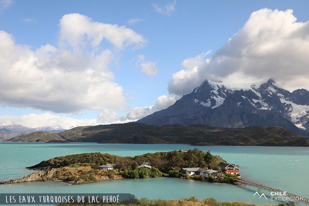 Eaux turquoises du lac Pehoé, Patagonie, Chili