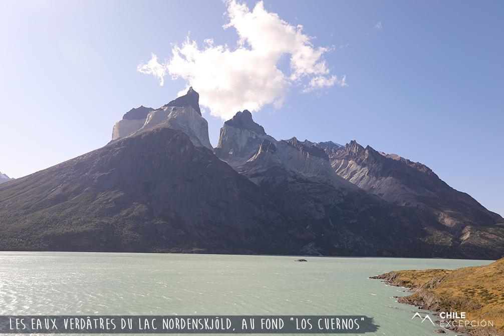 Les eaux verdâtres du lac Nordenskjöld, los Cuernos, Chili