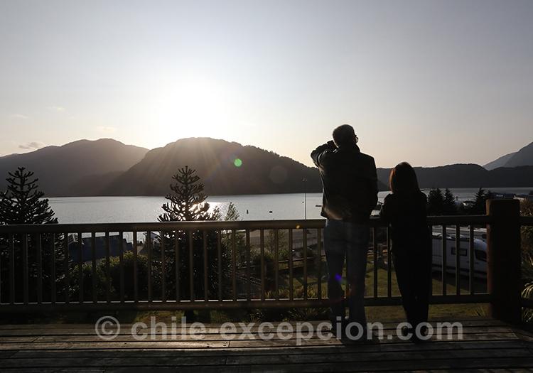 Coucher de soleil sur le lac San Rafael, Puerto Chacabuco