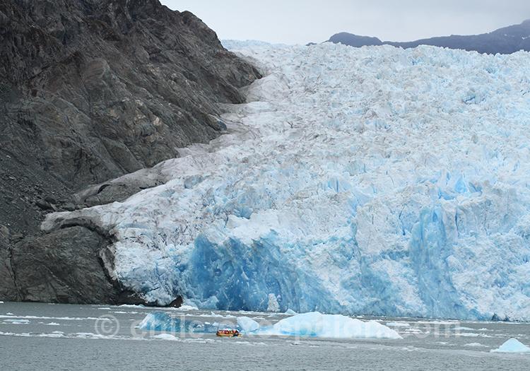Descente de glace sur le lac San Rafael au Chili