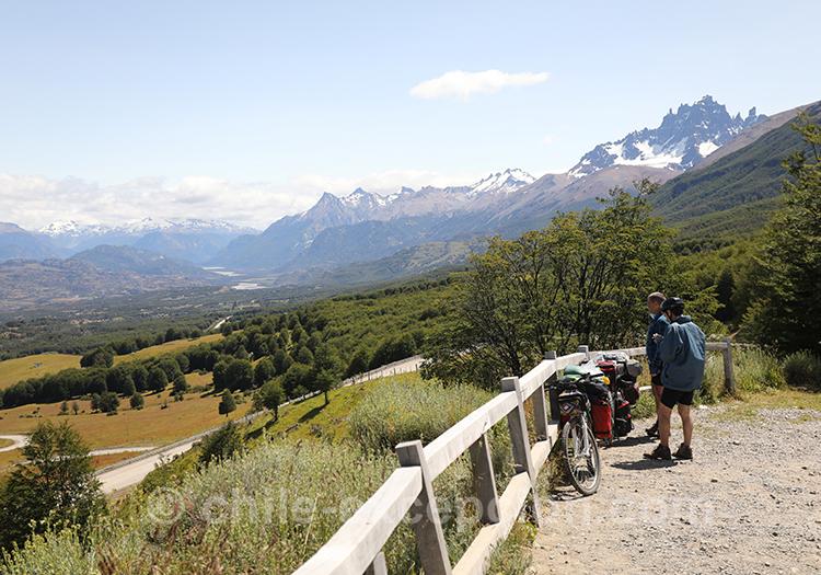 Vue panoramique lors de la randonnée du Cerro Castillo