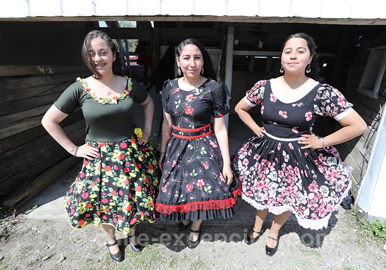 Femmes huasos, habit traditionnel