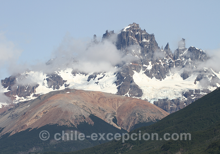 Cerro Castillo enneigé
