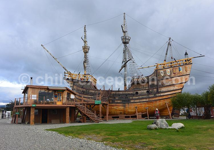Les reconstitutions des navires de l'époque, grandeur nature à Punta Arenas, musée Nao Victoria