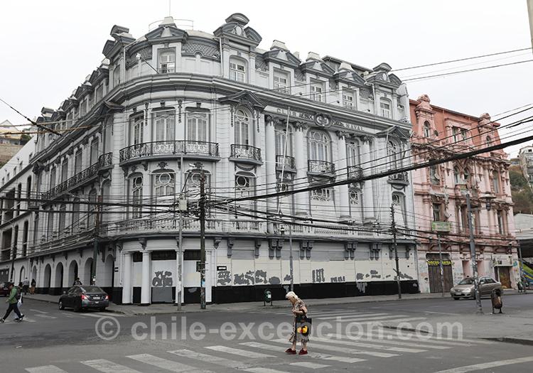 Découvrir la ville basse de Valparaiso, Chili avec l