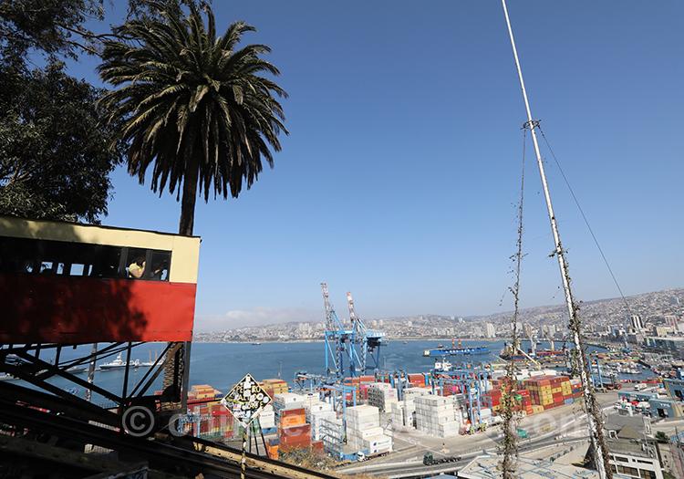 Ascenseur Artillería, Valparaiso, Chili avec l