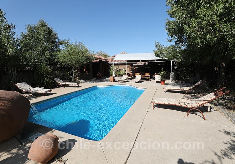 Terrasse et piscine à la maison d'hôte Caliboro, Chili