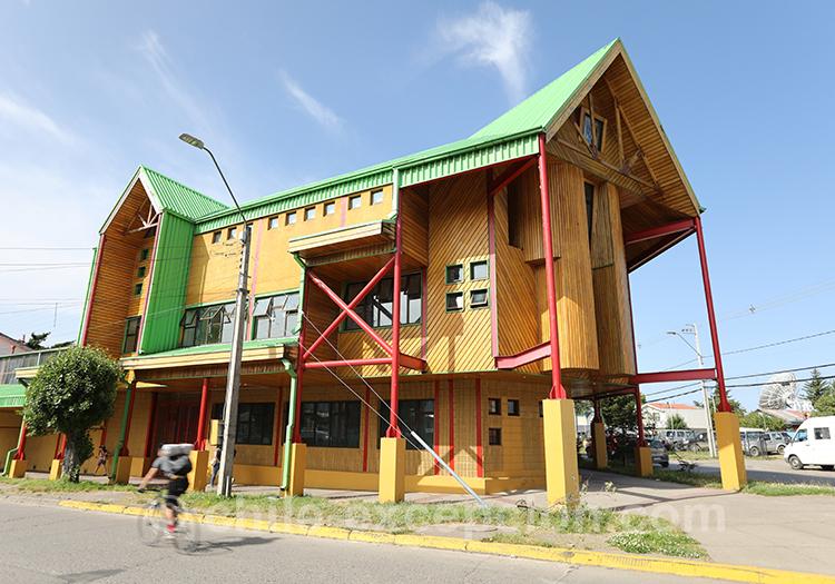 Maison jaune de Coyhaique, Patagonie du Chili