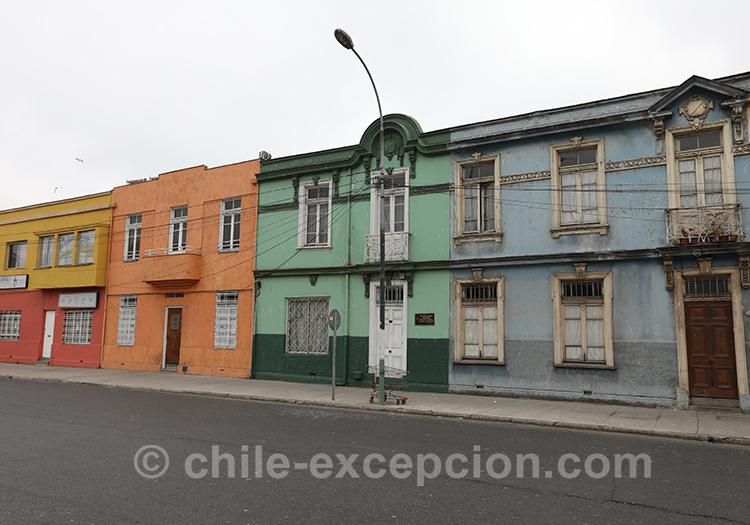 Se rendre dans la ville basse de Valparaiso