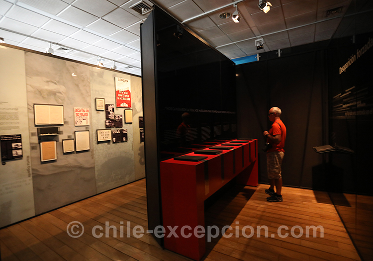 Salle d'exposition du musée de la Mémoire au Chili