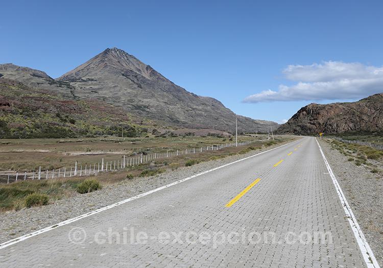 X-651, route qui relie Cerro Castillo et Puerto Ibañez au Chili