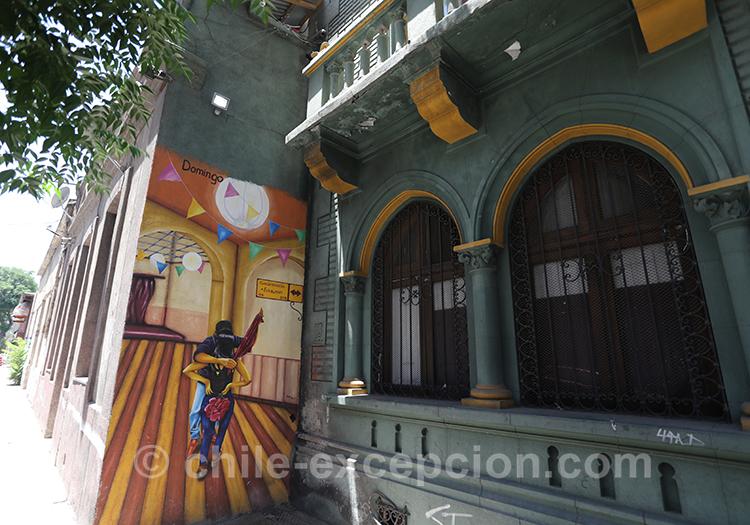 Le quartier de Yungay à Santiago est riche en peintures avec l'agence de voyage Chile Excepción