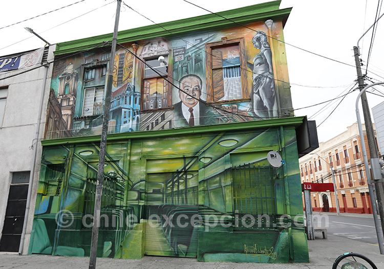 Les peintures murales de la ville basse de Valparaiso, Chili