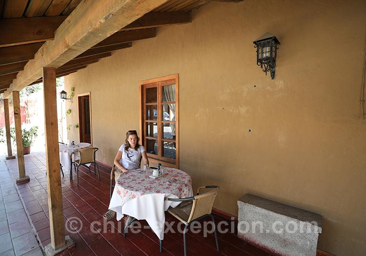 Terrasse typique du village de Lolol au Chili